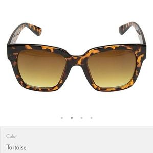 🆕️ Betsey Johnson Tortoise Frame Sunglasses